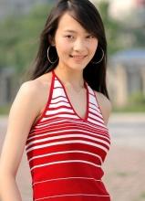 黃海波小六歲女友曲柵柵曝光 甜美私照欣賞