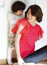 李英爱携双胞胎儿女幸福温馨拍杂志写真
