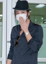 张根硕Bigbang大年夜成同现身 口罩遮面低调不已