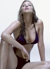 詹妮弗·劳伦斯性感湿身写真