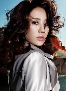 時尚達人尹恩惠氣質寫真 演繹完美雅致御姐范