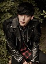 李钟硕时尚杂志写真 身着皮夹克变身秋季型男