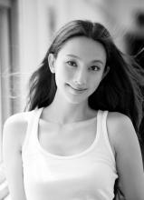 華晨宇白舉綱帥氣出席2013微博之夜