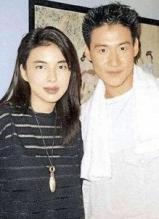 张学友被曝恋上33岁女助理 与妻子甜蜜瞬间回顾