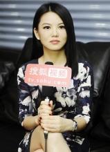 李湘低调优雅亮相 称女儿是王岳伦的小情人