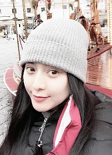李晨沈阳出席活动被女粉丝不放手 网友呼唤范冰冰