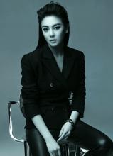 张雨绮杂志封面帅气中性写真