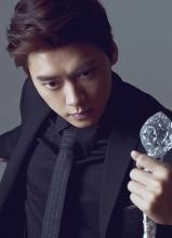 李易峰全新时尚写真 电眼迷人贵族范
