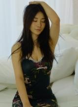 性感女神柳巖生活連環畫 塑造拼命三娘形象