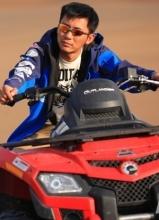 李晨摩托车写真 戈壁飙车