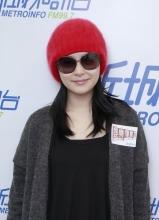 钟欣桐受访 甜蜜称下个月新男友将现身