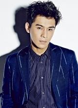 乔振宇最新型男写真 冷魅眼神诠释霸道总裁