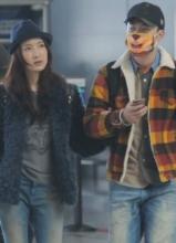 陈赫携娇妻现身机场 小贤戴卡通口罩扮可爱