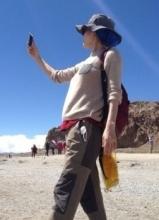 王菲微博曬西藏游自拍照 美景羨煞網友