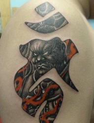 一副设计精妙的梵文文字纹身图片作品~
