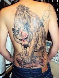 满背霸气的狼刺青
