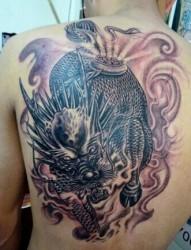 非常大气的麒麟纹身