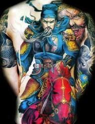 满背重色彩的关羽张飞纹身作品