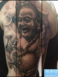 手臂经典帅气的弥勒佛纹身图片