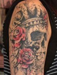 手臂上漂亮的狐狸纹身