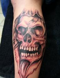 小臂上时尚的流行元素 骷髅纹身