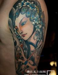 中国风手臂花旦纹身