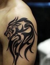 帅气简单的胳膊狮子图腾刺青