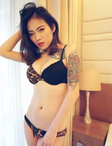 点击大图看下一张:纹身界从不缺少美女