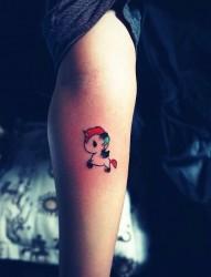 个性小马手臂纹身