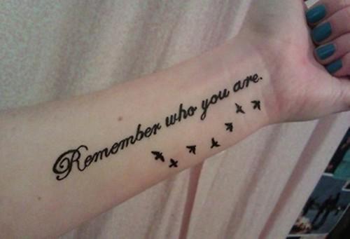 点击大图看下一张:富含意义的英文句子纹身