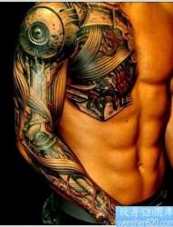 纹身520图库推荐一张半甲机械纹身图片