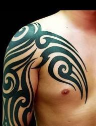 纹身吧推荐的披肩图腾半甲纹身图片作品图片展示