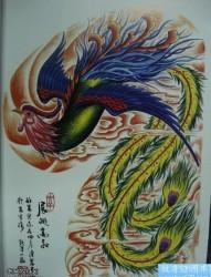一款半甲彩色凤凰纹身图案