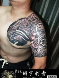 国画半甲唐狮纹身