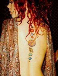 性感美女后背艺术图腾纹身图