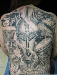 女人臀部时尚个性纹身