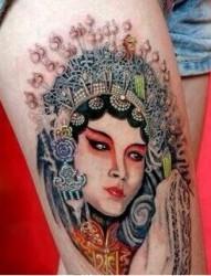 腿部个性经典花旦纹身