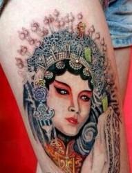 腿部漂亮经典的花旦纹身