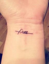 手腕小小的英文fnee纹身
