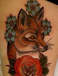 腿部个性狐狸花朵纹身