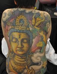 满后身霸气的嘎巴拉纹身作品欣赏