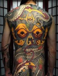 男生后背超酷霸气的满背嘎巴拉纹身图片