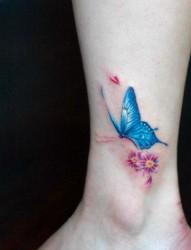 漂亮唯美的脚踝蝴蝶刺青