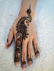 百变手指印度海娜纹身