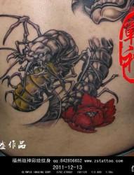 后背蜈蚣纹身作品