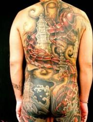 非常个性的满背纹身