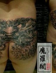 臀部的唐刺青图片