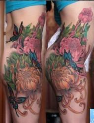 性感的美女臀部彩色菊花蝴蝶紋身圖片作品