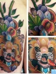 一款彩色狐狸纹身图案