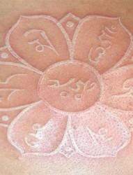 一组特殊性纹身:唯美的鸽子血纹身图案